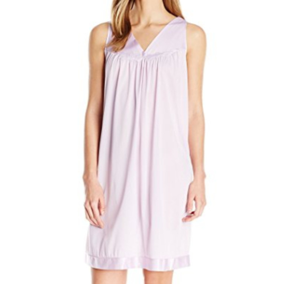 Vanity Fair Intimates & Sleepwear | Coloratura Sleepwear Short Gown ...
